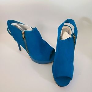 Charlotte Russe teal booties size 10